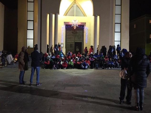 "Proteste per i migranti a Lampedusa, sindaco ""Noi ignorati"""