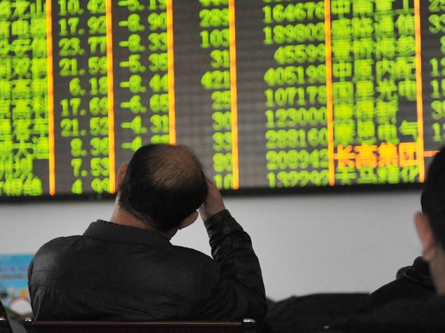Borse asiatiche: chiudono miste, Shanghai affonda
