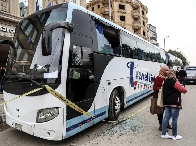 Risultati immagini per egitto attacco autobus