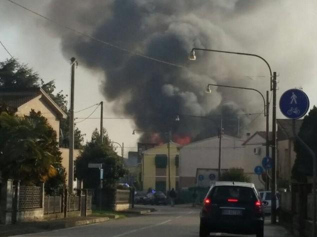 Esplosione al poligono, tre morti e 5 feriti