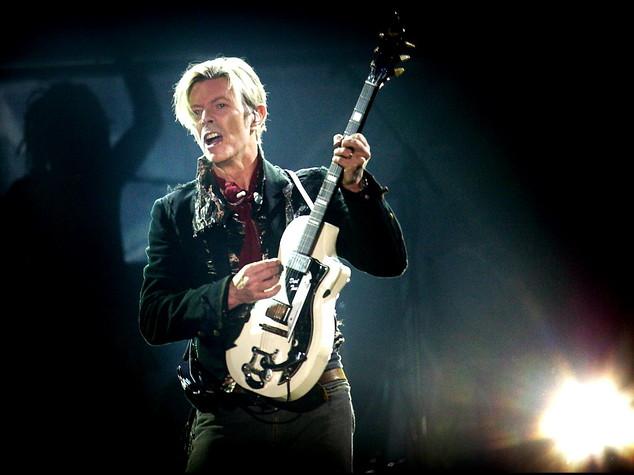 Bowie domina le classifiche di mezzo mondo