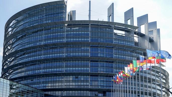 Eurozona: Commissione, migliora clima fiducia economia a maggio