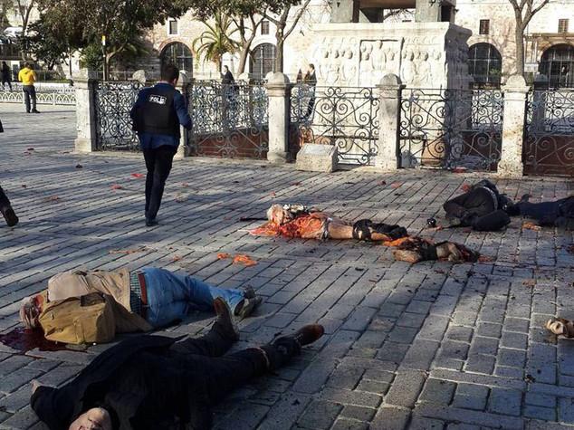 Strage a Istanbul, morti 9 tedeschi