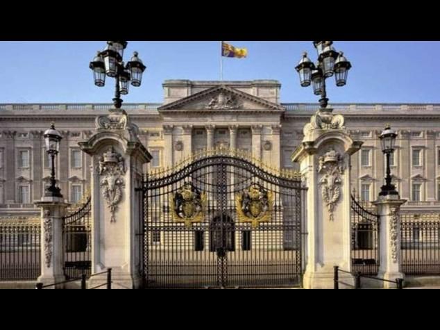 Funghi allucinogeni scoperti a Buckingham Palace