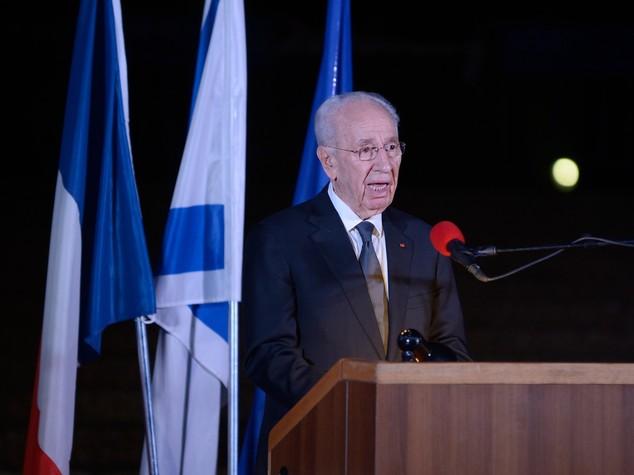 """Gentiloni, Peres """"lotto' per 2 Stati, e' unica soluzione"""""""