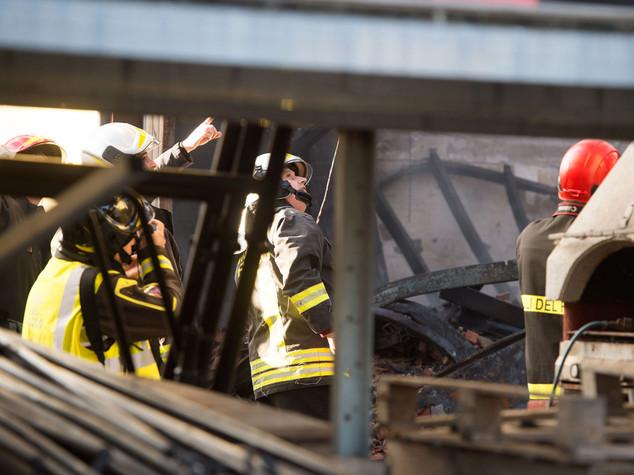 Crolla palazzina nel Savonese, cinque morti e un ferito grave - Video