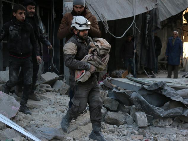 """Merkel, """"inorridita dai raid russi in Siria"""""""