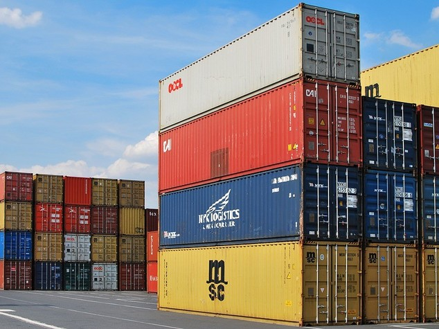 Italian exports up 2.7 pct in April, surplus at 4.5 bn EUR