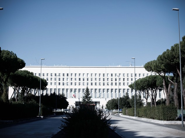 Italia approva raid Usa anti Isis, aiutano pace
