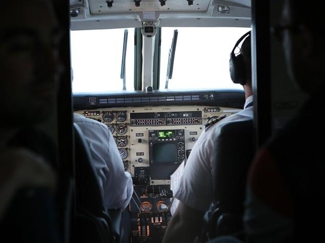 Terrore sul volo Miami-Milano, 7 feriti