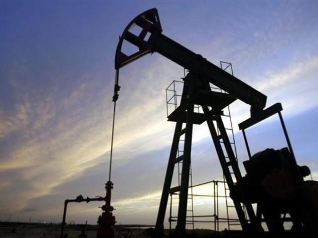 Petrolio: russi e sauditi concordano congelamento produzione