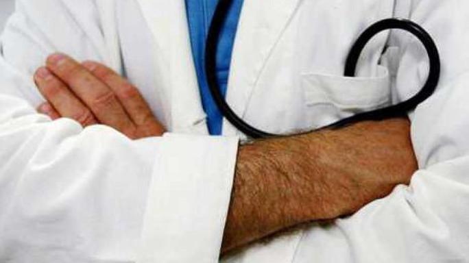 Neonata morì per tumore non diagnosticato, in manette medici