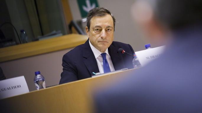 Draghi, forze cospirano per tenere bassa inflazione