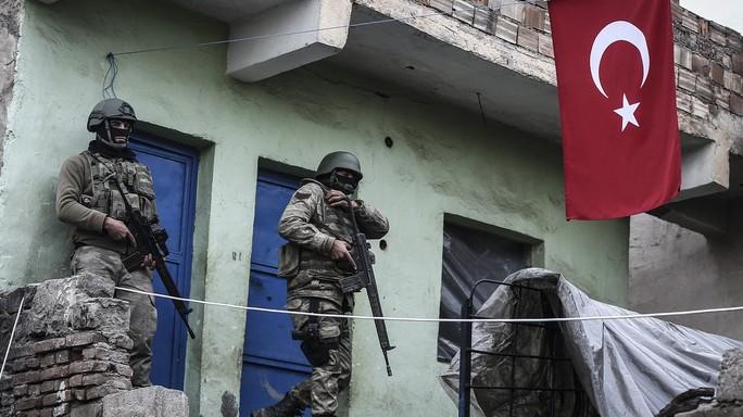 Ribelli Pkk attaccano commissariato, 2 morti e 15 feriti
