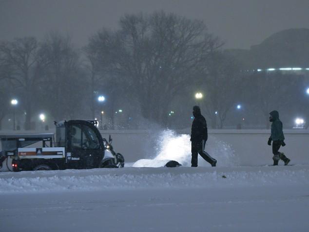 Snowzilla si abbatte sugli Usa, Casa Bianca sotto la neve