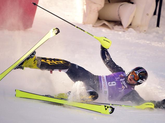 Slalom maschile, Razzoli fuori per infortunio