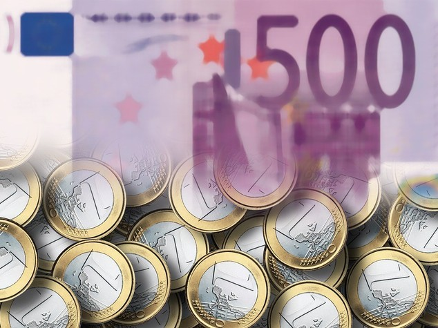 Impennata dell'Euro, sale sopra quota 1,11 dollari
