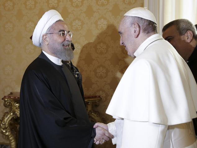 """Il Papa a Rohani """"spero nella pace"""""""