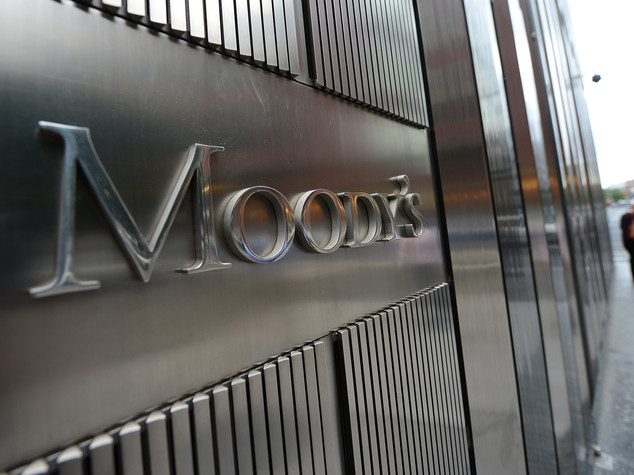 Moody's, outlook debito GB da stabile a negativo