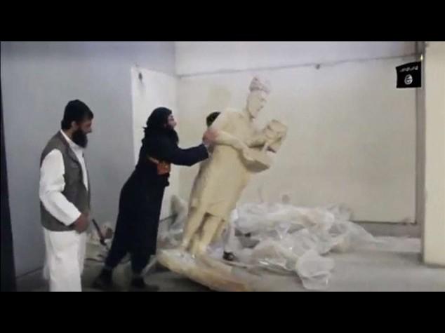 Siria, massacrati 15 cristiani. Isis distrugge il Museo di Mosul