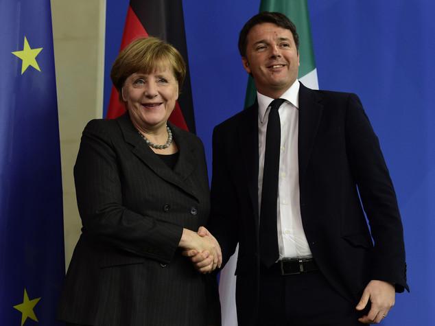 Renzi, non salveremo la Ue con professionisti dello zero virgola