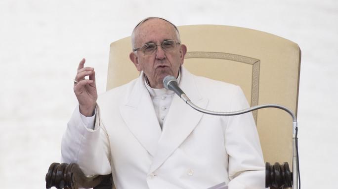 """Papa, """"Quei politici corrotti che vogliono sempre di più"""""""