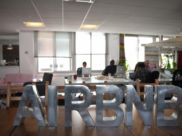 """Accordo con Airbnb, """"a Roma alloggi piu' sicuri"""""""