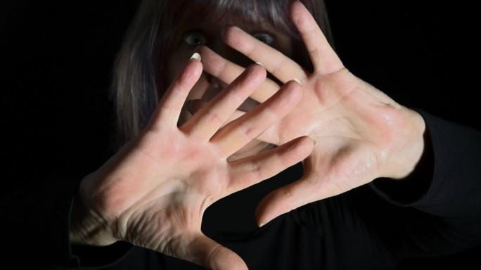 Orrore a Chicago: ragazzina stuprata in diretta su Facebook