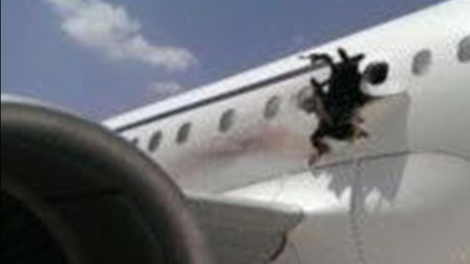 Esplosione su volo in Somalia, è stata una bomba