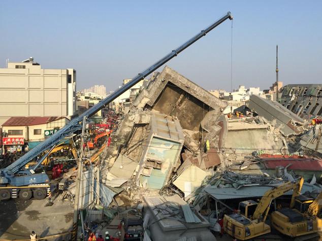 Terremoto Taiwan: 114 morti sotto edificio, 3 dispersi