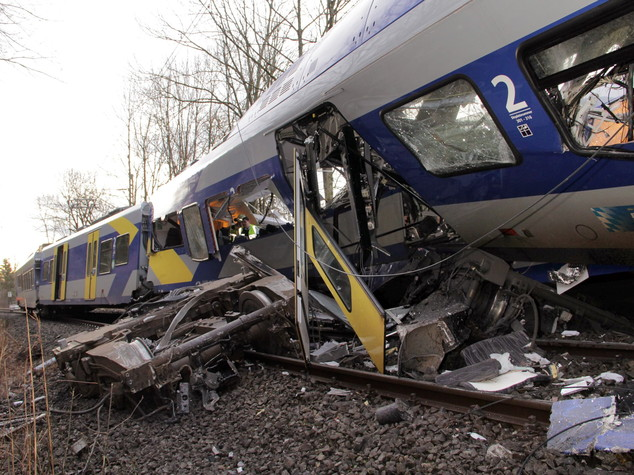 Nel disastro in Baviera 11 morti, l'ombra dell'errore umano - FOTO  e VIDEO