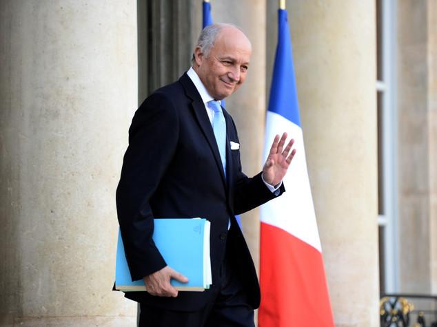 Si dimette il ministro degli Esteri francese Laurent Fabius