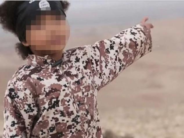 Orrore Isis, Jihadi Junior a 4 anni fa saltare in aria spie