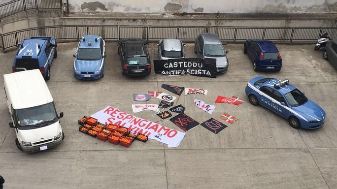 Salvini a Cagliari, tensione tra polizia e antifascisti