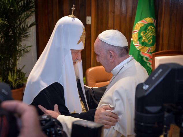 """Papa abbraccia Kirill, poi l'incontro """"tanto voluto"""""""