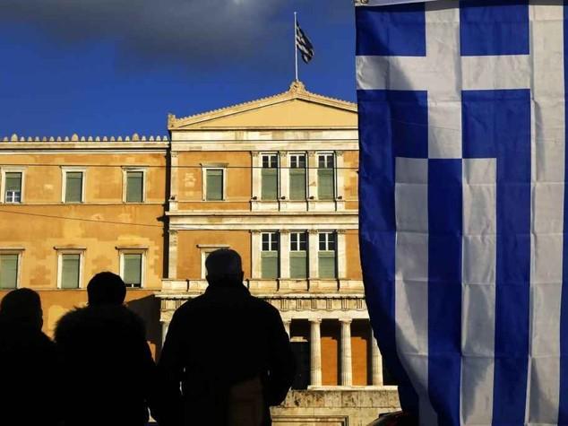 La Grecia spaventa i mercati, Milano cede il 2, 4%