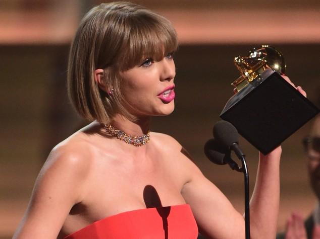 Taylor Swift la celebrità più pagata al mondo