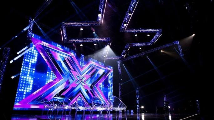 X Factor, via i Les Enfants. Manuel Agnelli senza pietà
