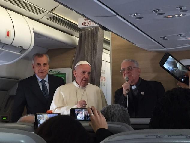 Papa, i divorziati vanno integrati, la comunione e' ultimo passo