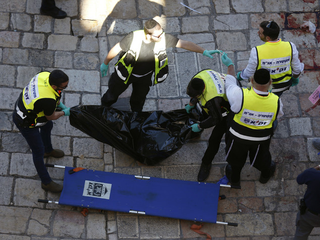 M.O.: palestinese pugnala 2 israeliani e viene ucciso