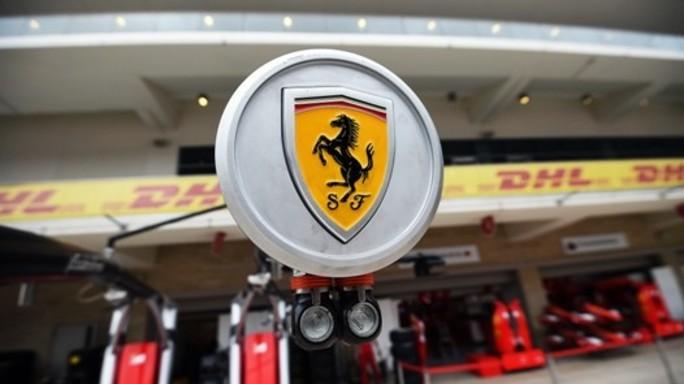 Ecco la nuova Ferrari. Raikkonen e Vettel presentano la monoposto - Video