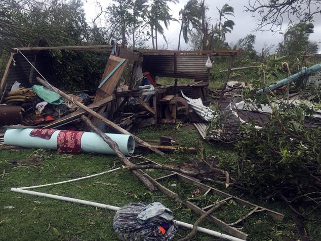 Fiji in ginocchio, 29 morti per passaggio del ciclone Winston -  Video