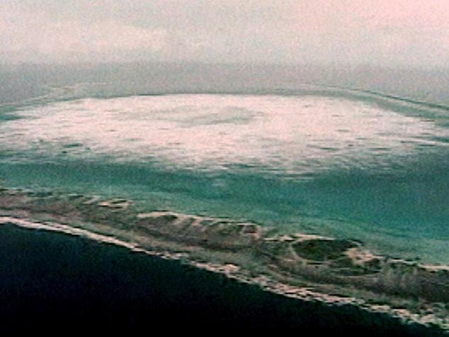 "Hollande in Polinesia ammette, test nucleari ebbero ""impatto"""