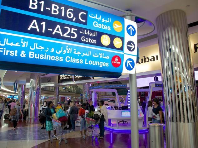 aeroporto Dubai droni pista