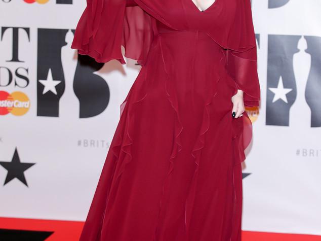 Adele regina dei Brit Awards, eguaglia record dei Blur