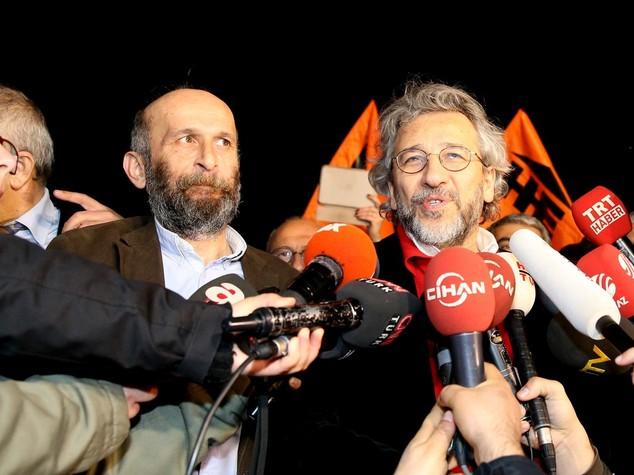 Turchia: liberati 2 noti giornalisti, erano in carcere da 3 mesi