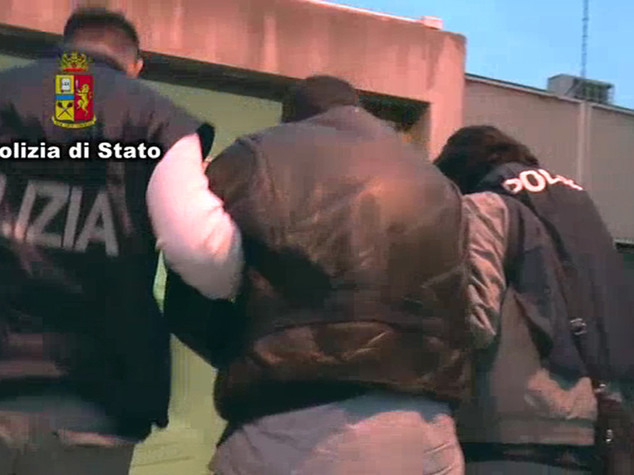 Da Catania ad Ancona per rapinare banche, 4 arresti -  Video
