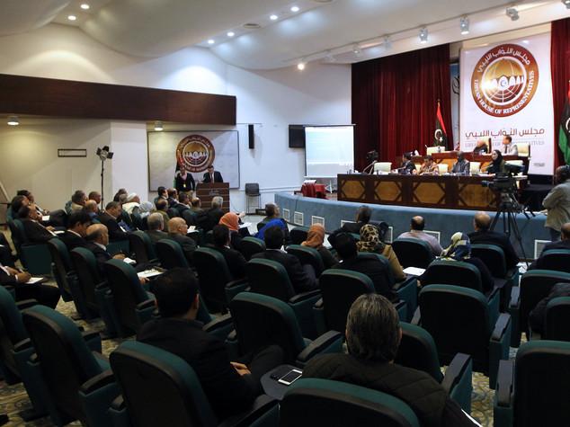 Libia nel caos, al-Serraj in attesa voto di Tobruk