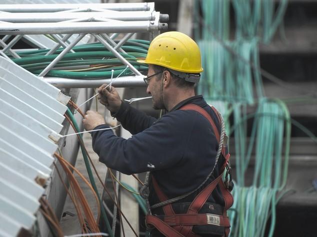 Inps, rallentano le assunzioni: contratti fissi -32,9% in 8 mesi