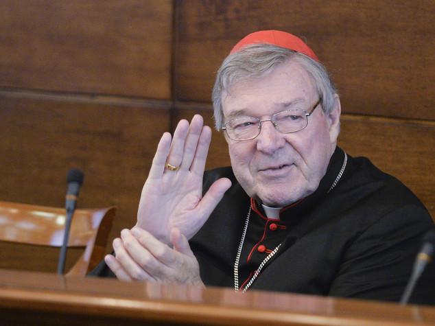"Pedofilia, vittime chiedono udienza al Papa ""Pell ci offende"""